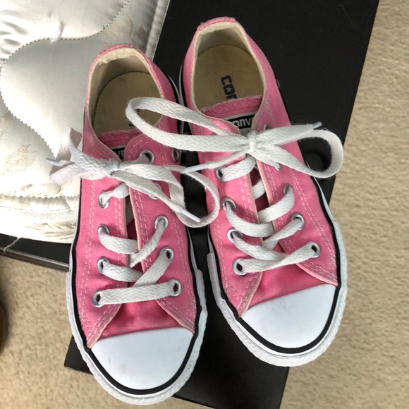 Girls Converse size 11. Pink. Great used condition 15311229d